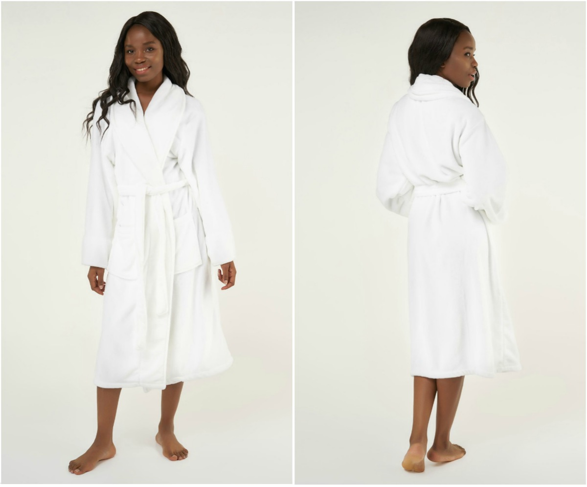 microfleece plush robe | Best Luxury Hotel-Quality Bathrobes That Won't Break The Bank | best bathrobe | luxury bathrobe