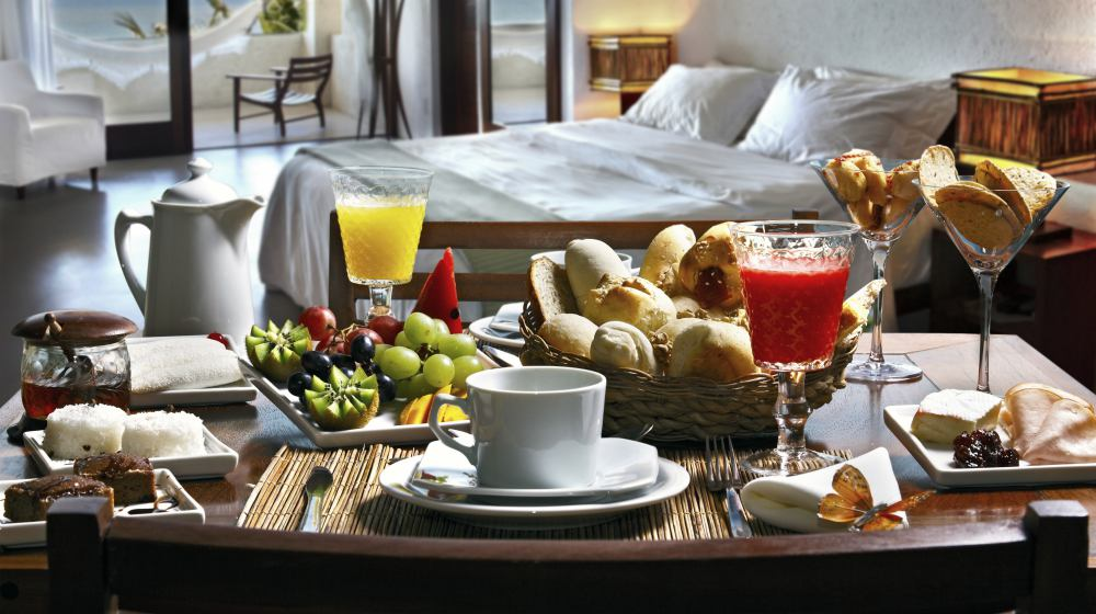 delicious hotel breakfast | Ways To Improve Hotel Guest Experience | hotel guest | hotel guest experience