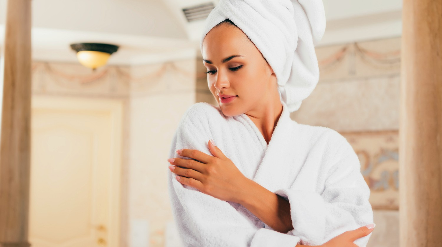 Featured | Utlimate Bathrobe Guide | How To Find And Care For Your Robe